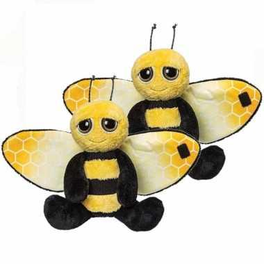2x stuks pluche zwart/gele bij knuffel 18 cm speelgoed