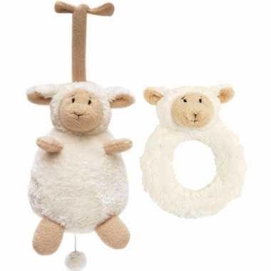 Baby cadeau setje rammelaar en muziek knuffel van lammy het lammetje
