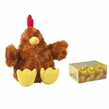 Pluche bruine kippen/hanen knuffel van 23 cm met 6x stuks mini kuikentjes 3,5 cm
