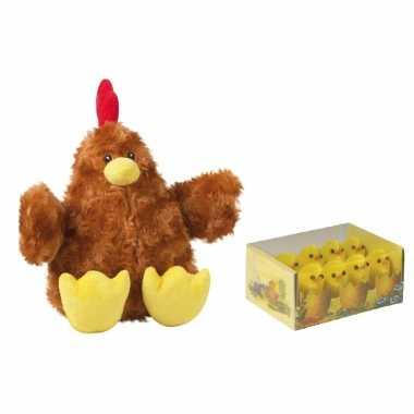 Pluche bruine kippen/hanen knuffel van 23 cm met 8x stuks mini kuikentjes 3 cm