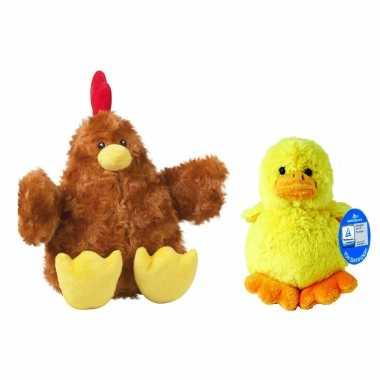Pluche bruine kippen/hanen knuffel van 23 cm met geel pluche kuiken 16 cm