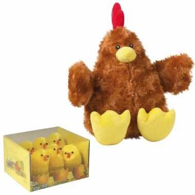 Pluche bruine kippen knuffel van 23 cm met 6x stuks mini kuikentjes