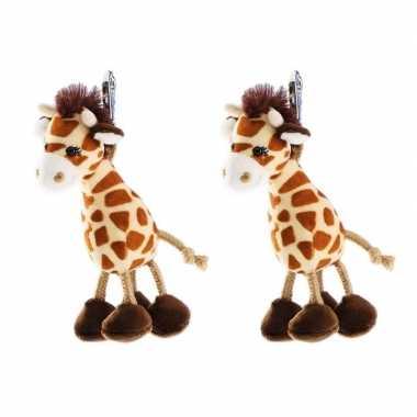 Set van 4x stuks pluche mini knuffel giraffe sleutelhanger 13 cm