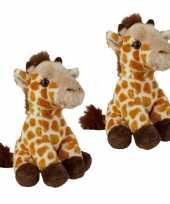 2x stuks pluche gevlekte giraffe knuffel 15 cm speelgoed