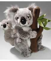 Knuffel koala met baby en boomstam 25 cm knuffel